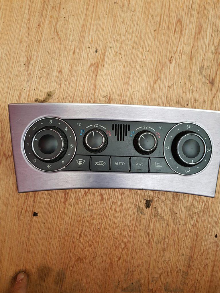 Mercedes c-class w203 heater AC climate control unit a2038304085 b1 1 33