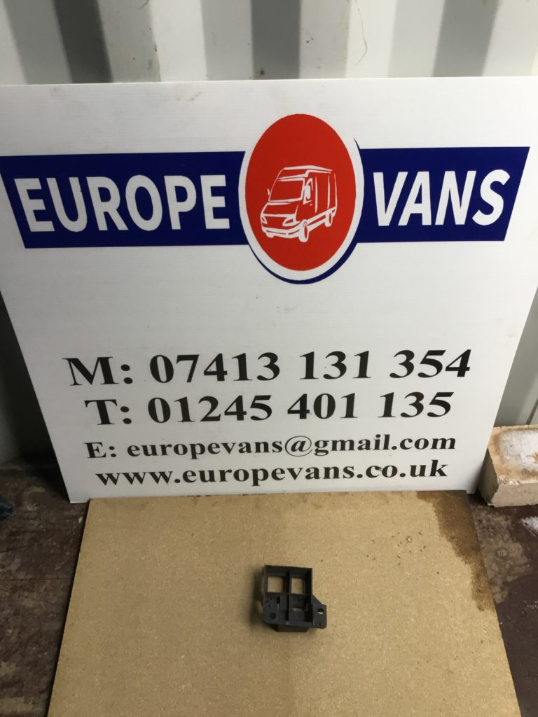 Fuse Box Mercedes Sprinter 2015 Trusted Wiring Diagrams 2012 Benz Relay Bracket A9065460643 3 33 2013